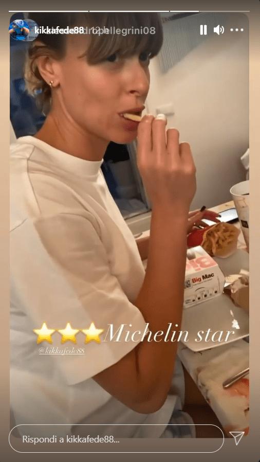Federica Pellegrini beccata in flagrante mangia Bic Mac