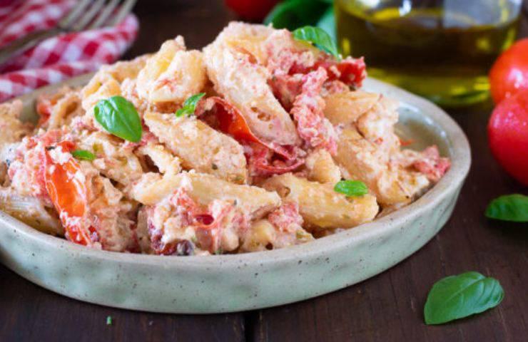 ingredienti pasta feta e pomodorini