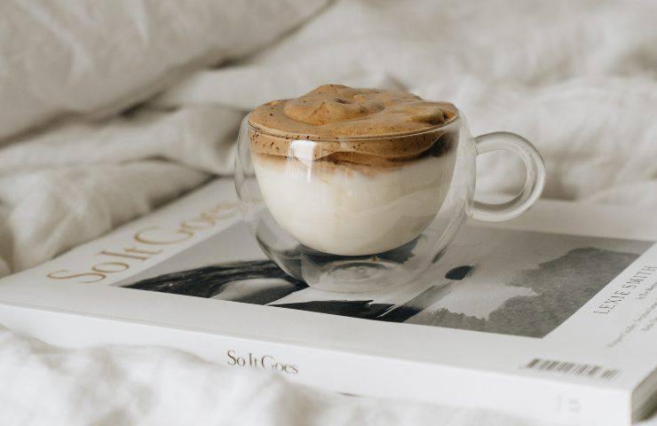 Dalgona Coffee ricetta cappuccino rovesciato