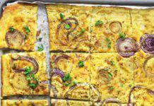 Farinata di ceci con le cipolle ricetta vegana