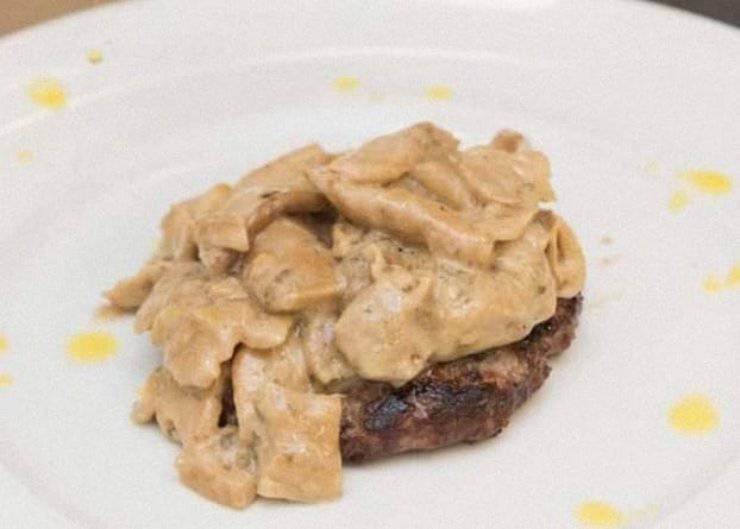 hamburger con crema funghi