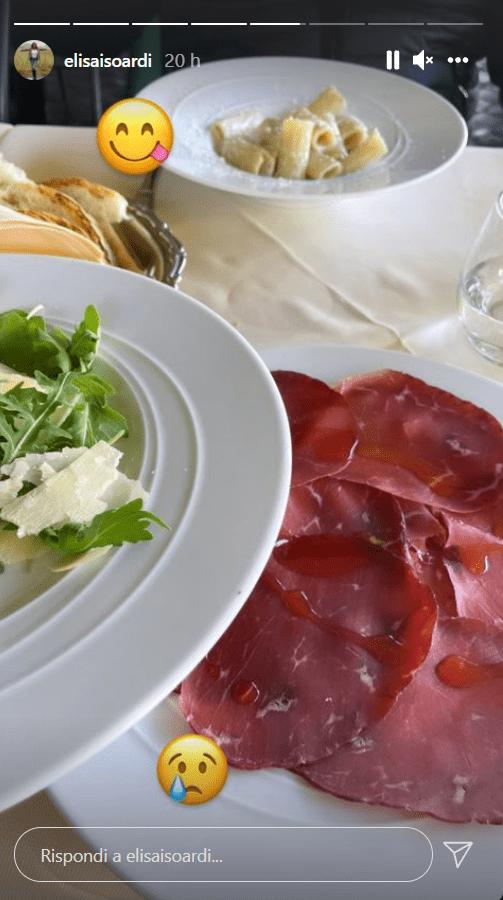 Elisa Isoardi misera cena al ristorante foto
