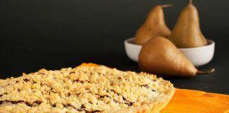 Crumble di pere, zucca e cioccolato ricetta vegan