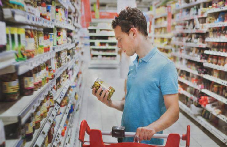 Etichette scadenza cibo cosa è possibile consumare dettagli
