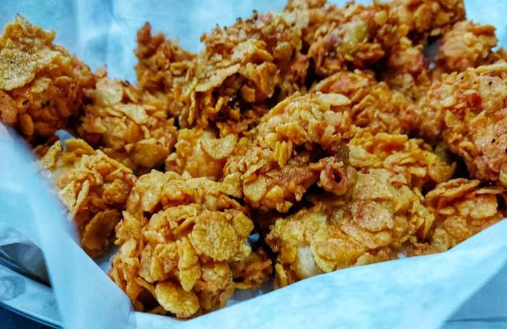 Pollo fritto super impanatura cornflakes ricetta veloce